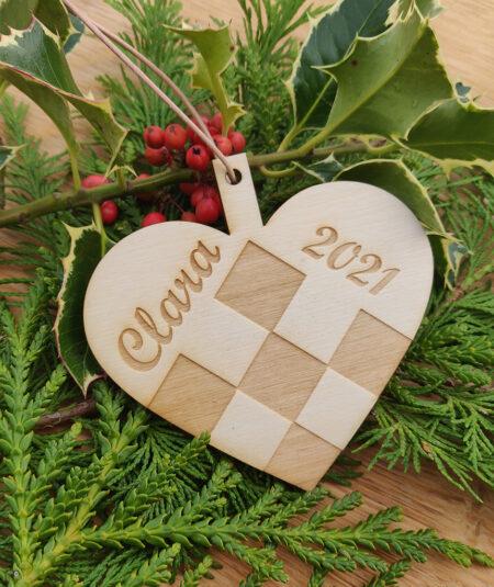 Julehjerte med navn i birketræ